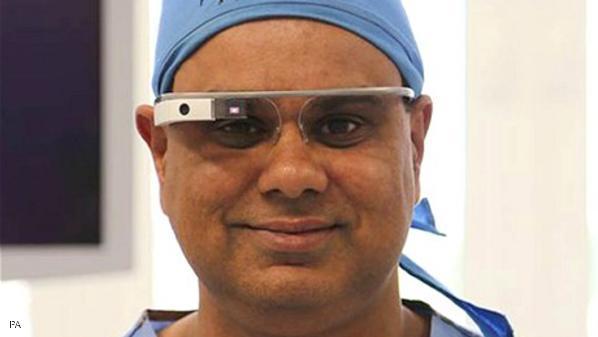 استخدام نظارات جوجل لبث حي لجراحة لهدف تعليمي