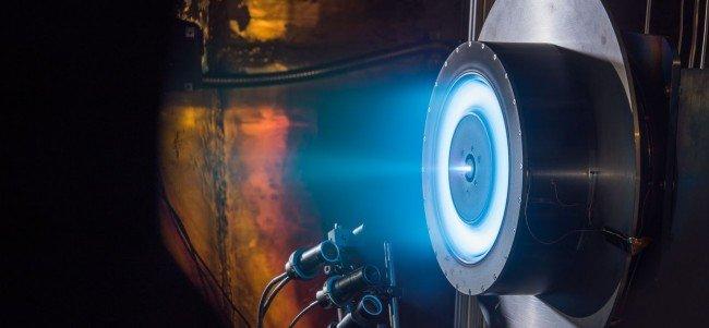 محرك أيوني يحطم الأرقام القياسية وقد ينقل البشر إلى المريخ