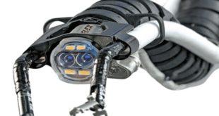 روبوت ثعبان ينزلق عبر الفم لإجراء عمليات جراحية